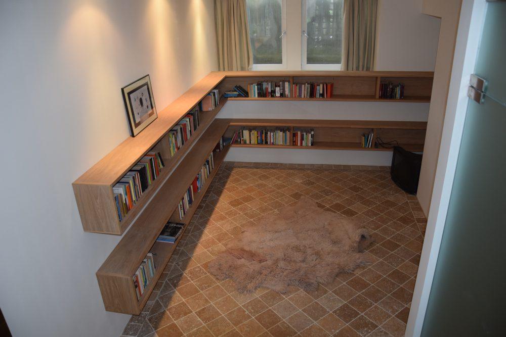 boekenkasten eiken fineer